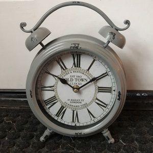 Vintage style mantle clock